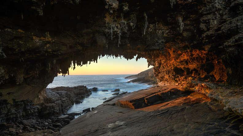 admiral's arch kangaroo island flinders australia