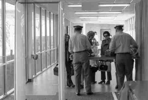 1970s airport security