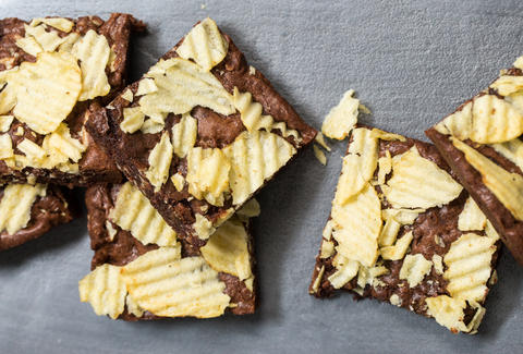 Potato chip brownies — Thrillist Recipes