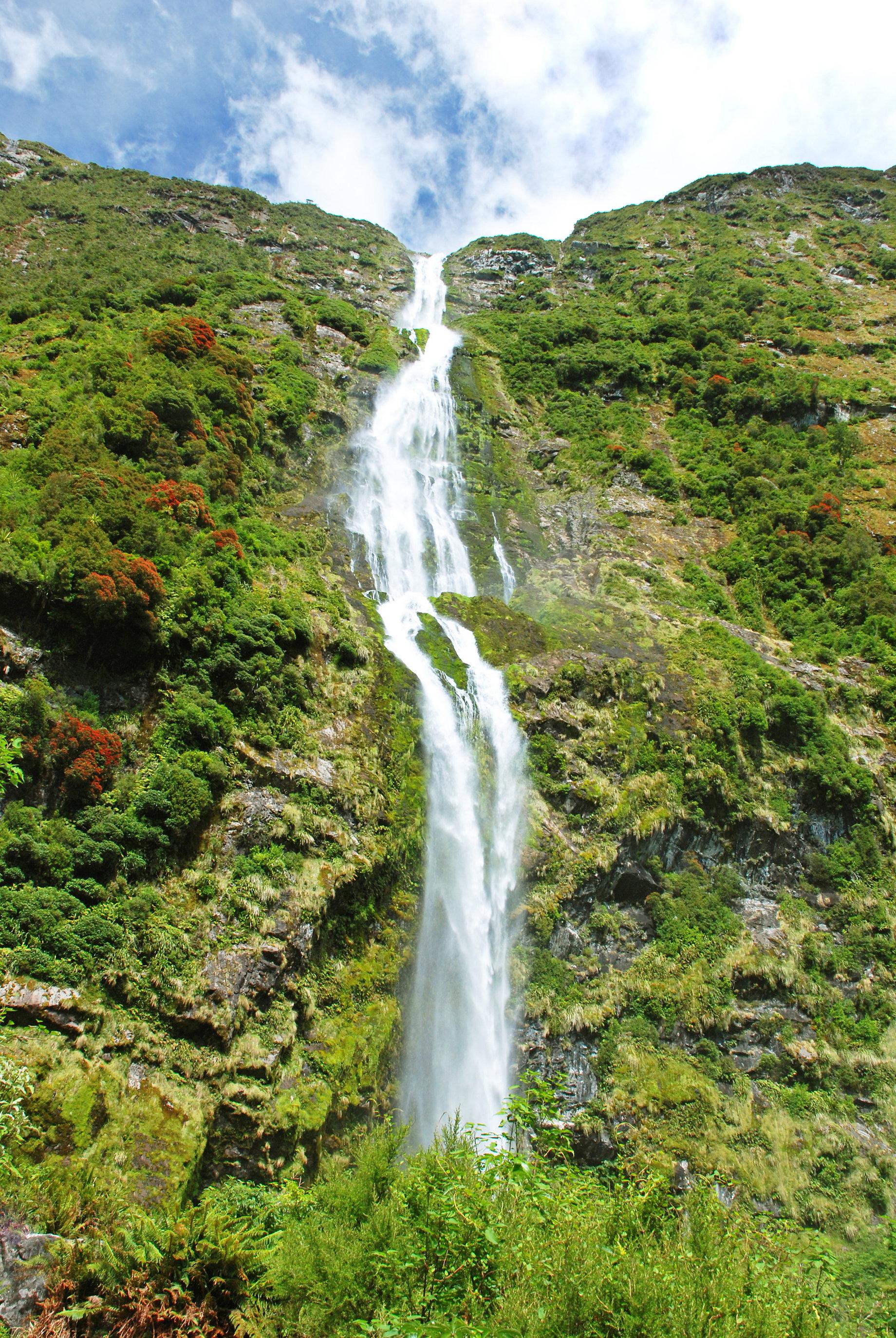 Secret Garden: The World's Most Beautiful Waterfalls: Niagara Falls