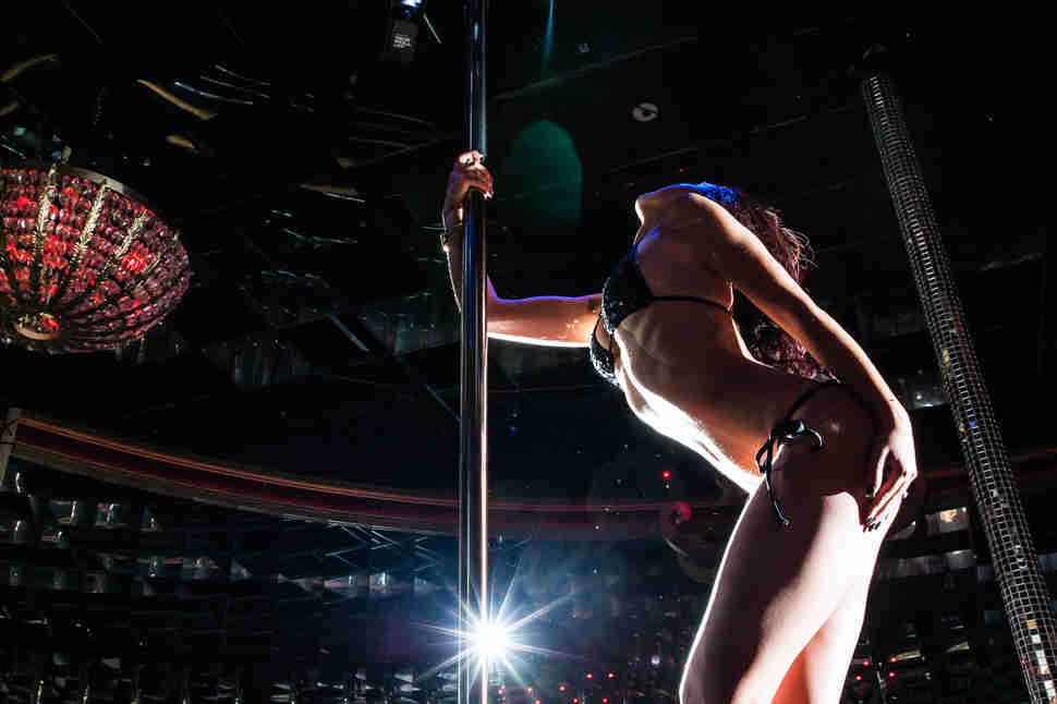 How Much Do Las Vegas Strippers Make? Try $300,000 a Year ...