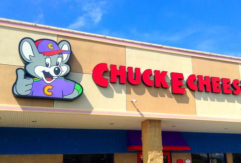Chuck E. Cheese's sign