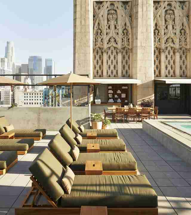 Best Rooftop Bars In Los Angeles And Pools To Drink At
