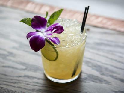 Cocktail at Leyenda