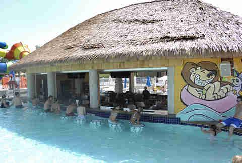Swim Up Bars In The Us Harrah S The Hilton The Four