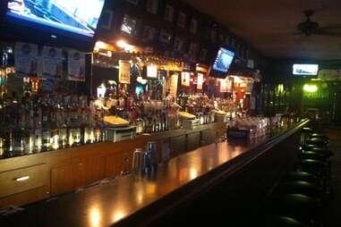 desmond's bar