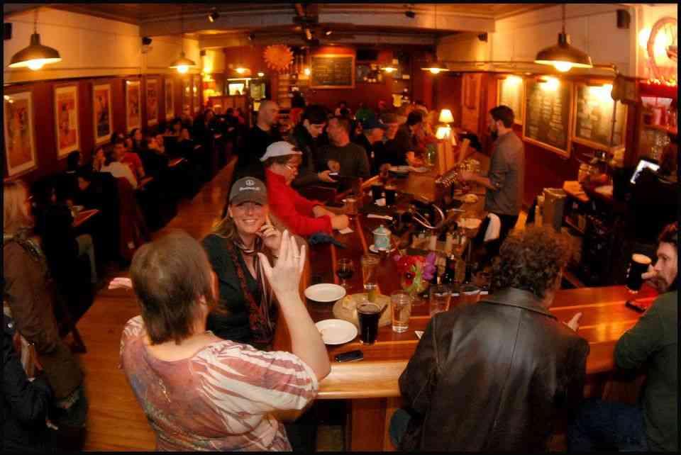 Every American Bar Bourdain's Visited - Anthony Bourdain's