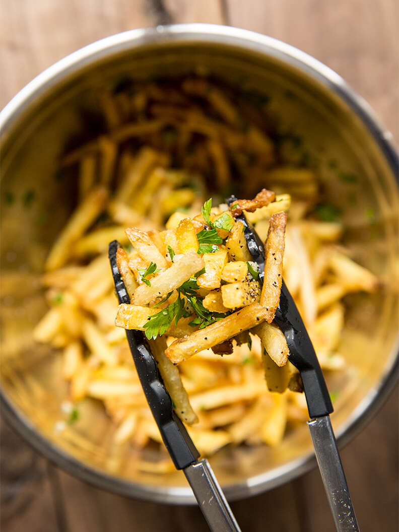 Giants Garlic Fries — Thrillist Recipes