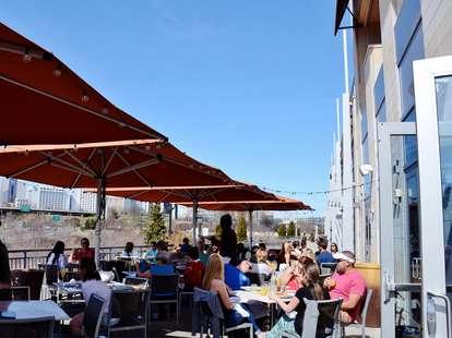 vivace italian restaurant patio