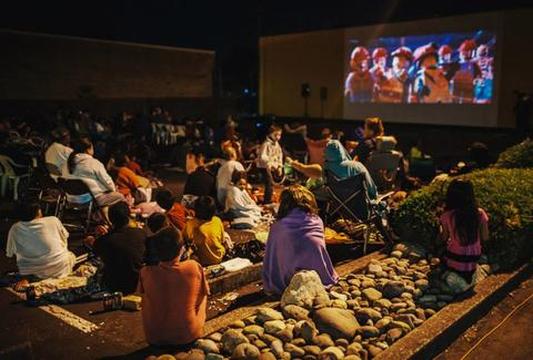 Outdoor Movies In Seattle Summer 2018 Movies In The Park Calendar