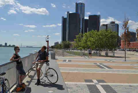 Detroit scene dating