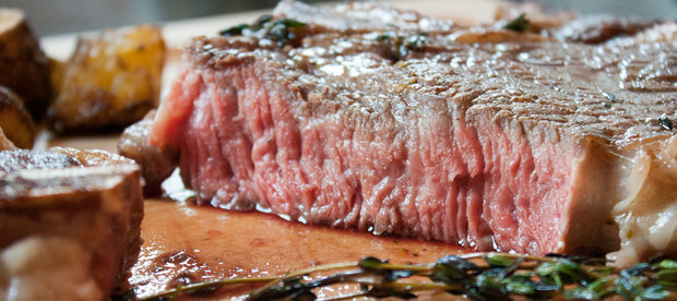 How to Sous Vide a Perfect Steak Without Buying Any Special Equipment