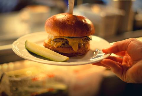 Food Network Ranks Au Cheval As Best Burger In America Thrillist