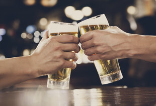 Finally! Happy Hour Legalized in Illinois
