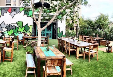Rhythm & Vine Beer Garden: A Miami, FL Bar.