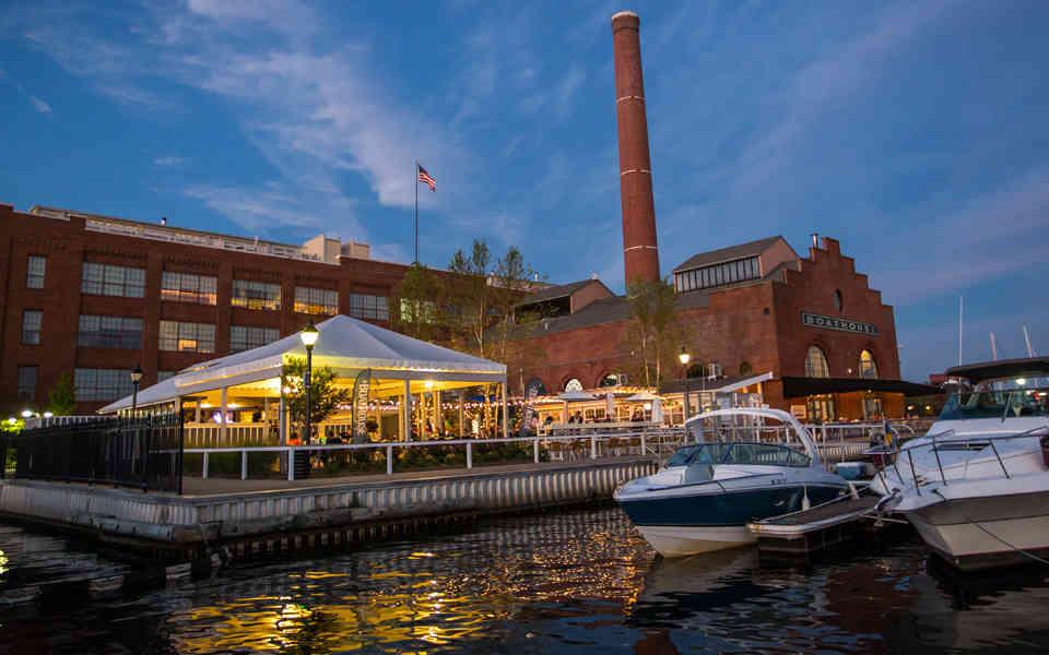 The 17 Best Waterfront Bars in Maryland - Thrillist