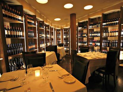 interior B&B Ristorante Las Vegas italian food