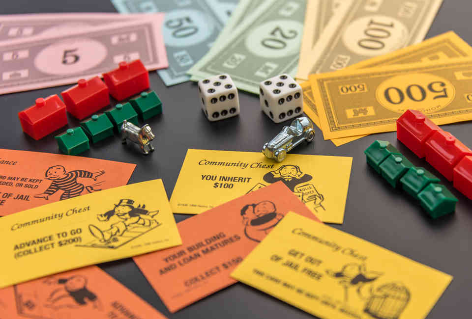 How to Win at Monopoly Every Time, According to Experts