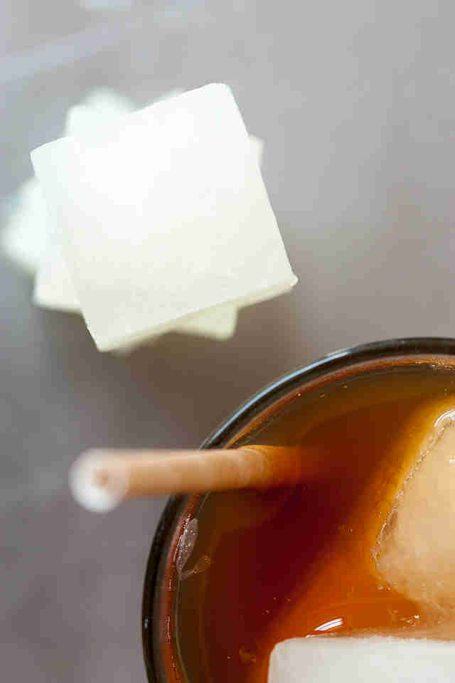 Arnold Palmer with lemonade ice cubes -- Thrillist Recipes