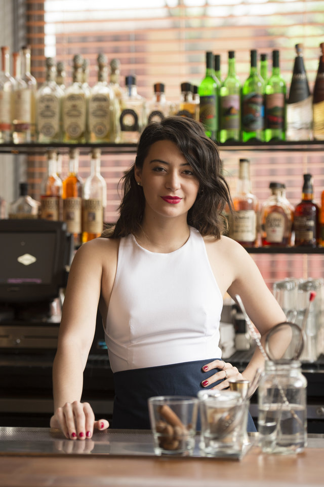 14 Female Bartenders You Need To Know In Nyc - Thrillist-4433