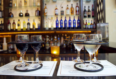 The 10 Best Wine Bars in Boston - Thrillist