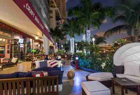 17 Best Sports Bars In Miami Including Duffy S Bokampers
