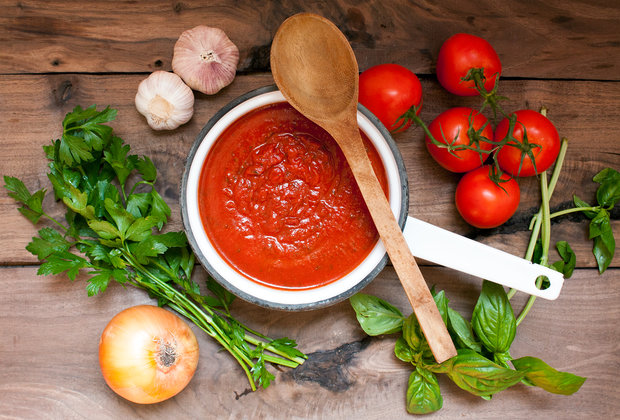 How to Make Pasta Sauce From Scratch