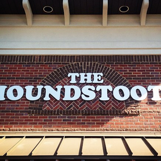Houndstooth Sports-Bar