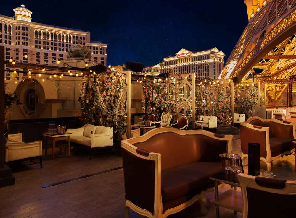 Las Vegasu0027 Best Outdoor Bars   The 26 Sweetest Patios In Sin City    Thrillist