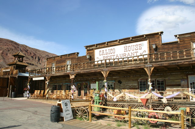 California ghost towns road trip ideas thrillist for Small towns in southern california