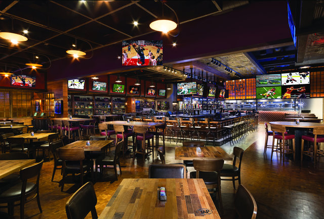 The 15 Best Sports Bars In Vegas