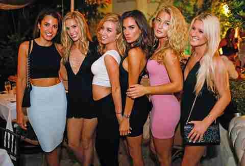 miami-pool-party-girls