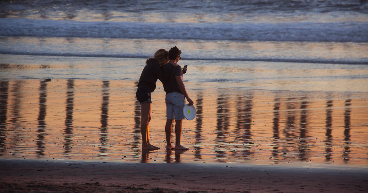 Dating in la thrillist