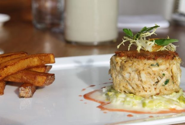 How to Make the Ultimate Crab Cakes for Tailgating in San Francisco