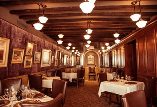 Hall's Chophouse