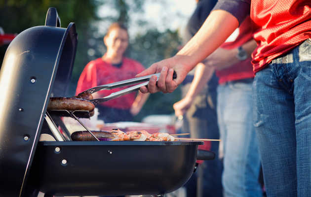 Indispensable Tailgate Tips From Some of America's Best Chefs