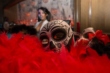 Mask and boa
