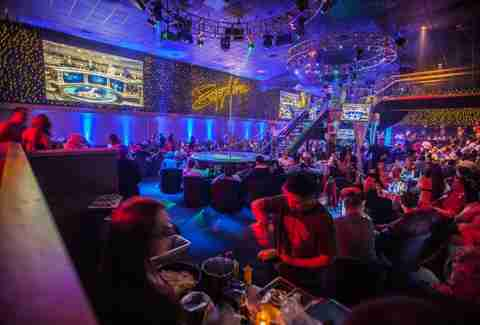 Las vegas hook up bars