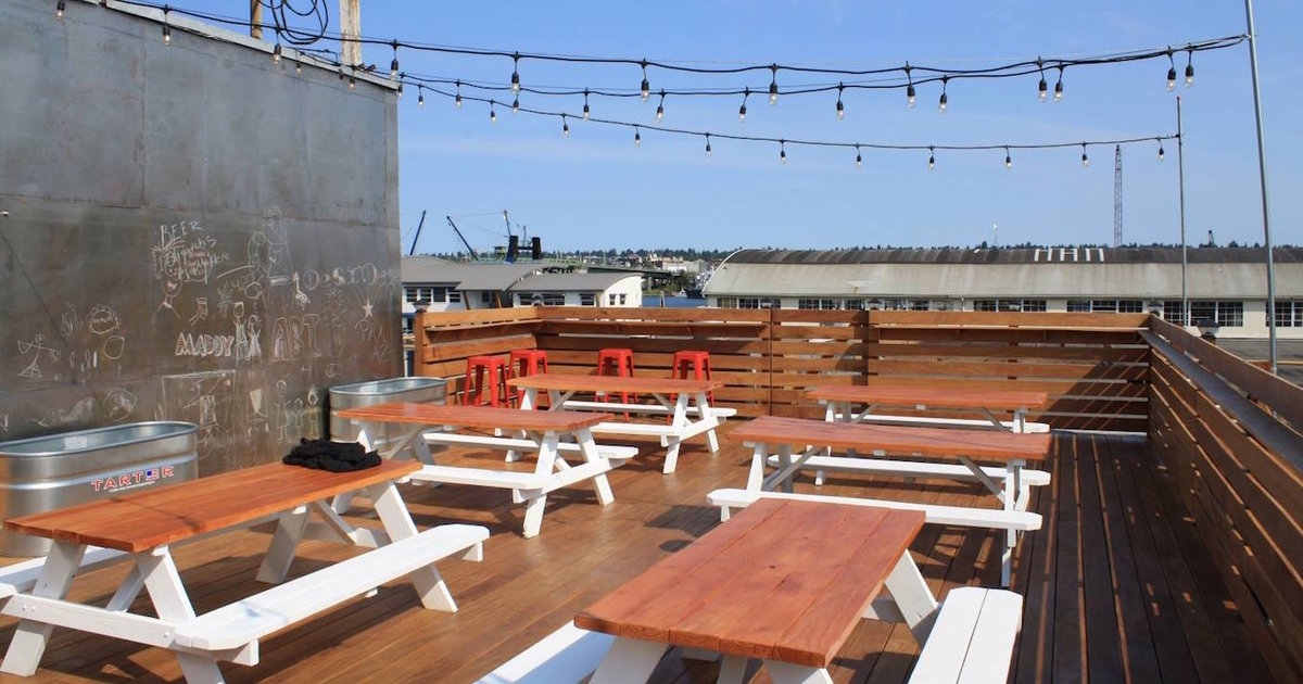 Rooftop Brewing Company A Seattle Wa Bar
