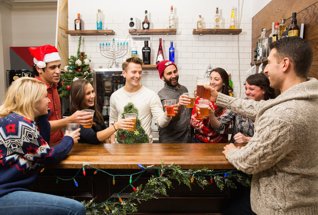 The Dos and Don'ts of Holiday Office Party Hookups