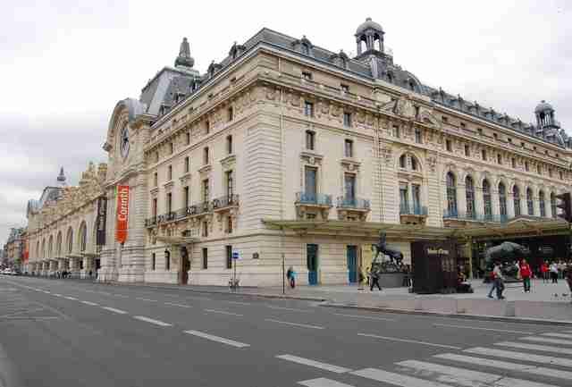 Best Food Near Paris Monuments Tourist Attractions Thrillist
