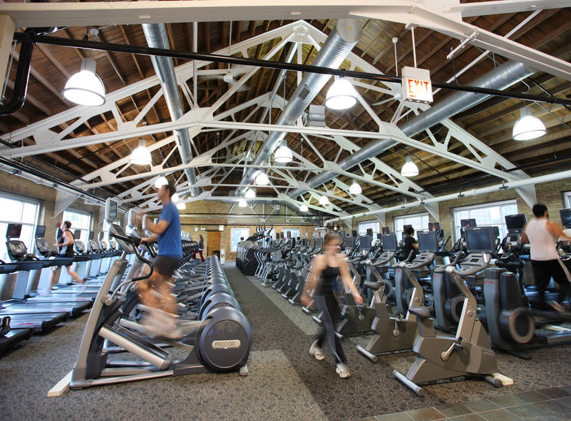 How To Work Out At Chicago S Top Gyms For Free Thrillist