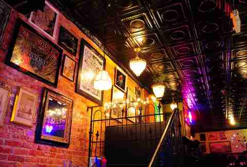 The Best Dive Bars in DC - Thrillist