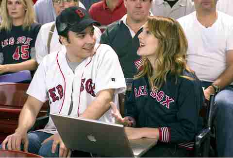 Jimmy Fallon and Drew Barrymore from Fever Pitch movie still
