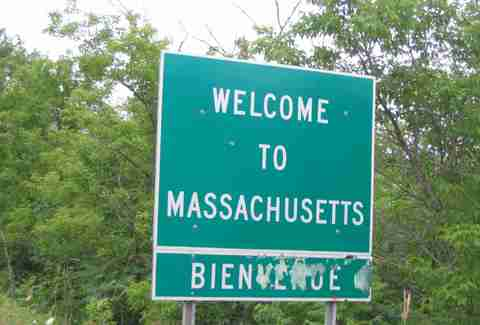 Welcome to Massachuetts town sign