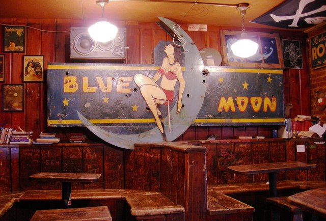 The Best Dive Bars in Seattle