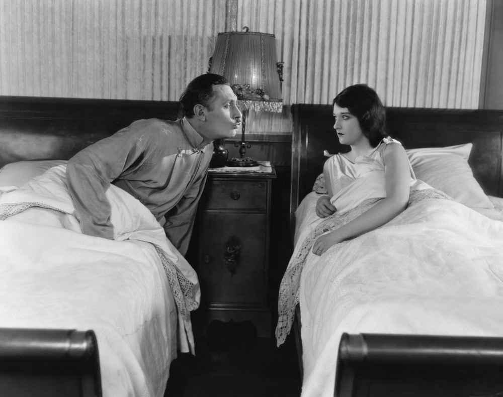 My Girlfriend and I Tried a 'Sleeping Divorce'