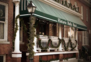 Historic Holly Hotel Restaurant