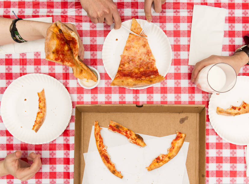 Things No Self Respecting Adult Should Do While Eating Pizza Thrillist