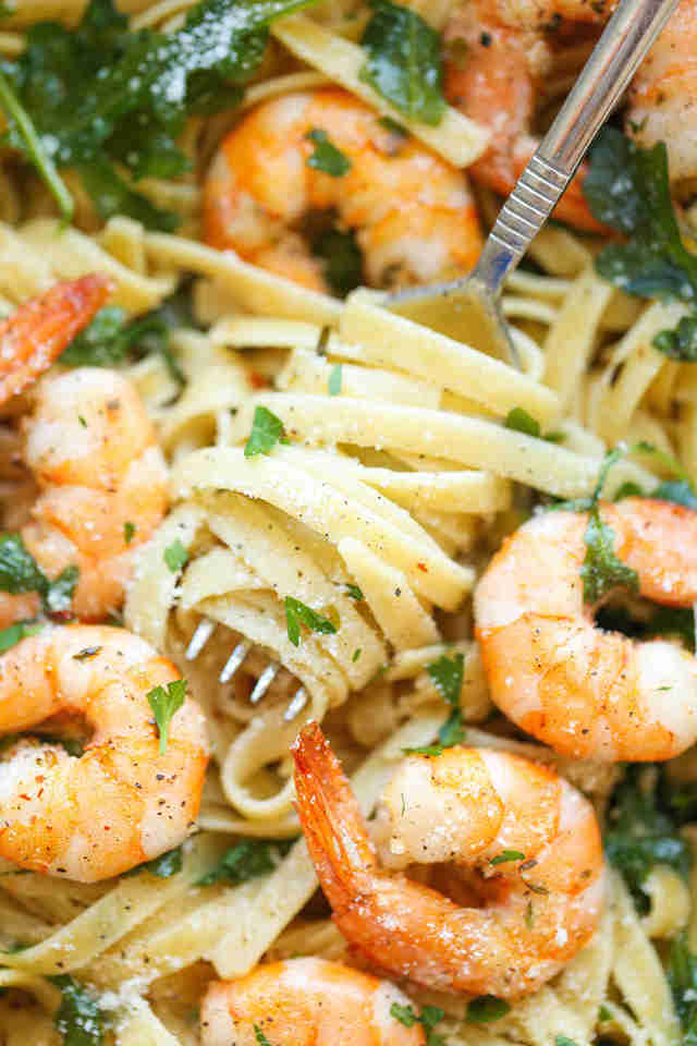 Garlic shrimp fettuccine